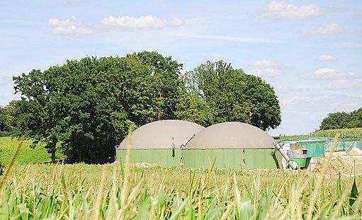 výroba bioplynu z posekané trávy