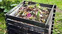 Kompost promění zbytky z kuchyně i zahrady na kvalitní hnojivo