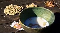 Semenům dýní propsívá lázeň v nepasterovaném mléce