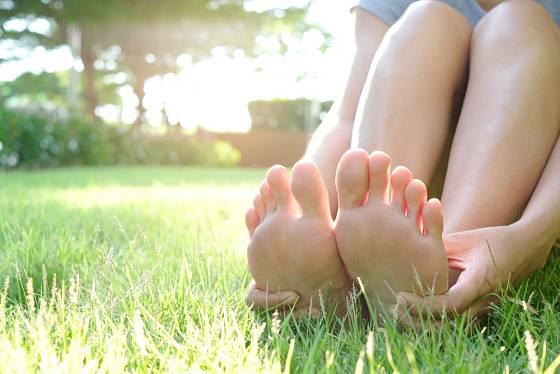 Zdravé a svěží nohy díky přírodní péči