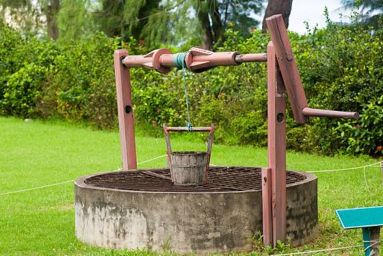 Vlastní studnu na pozemku nemá každý