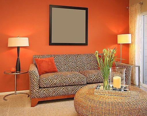 oranžový interiér
