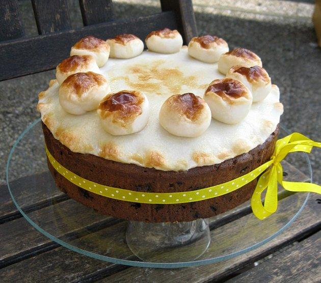 Simnel cake je spojený s anglickými Velikonocemi.