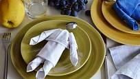 Ubrousek složený ve tvaru loutky oživí hostinu a potěší nejen děti