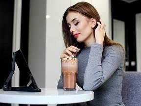 Ledová káva je v menu snad už každé kavárny a restaurace