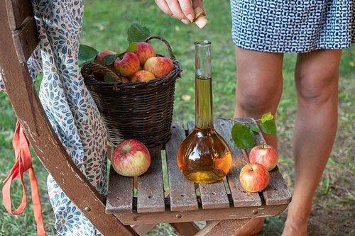 Jablečný ocet se podílí na celkovém čistění těla a zároveň zlepšuje průtok krve a její oběh.
