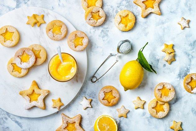Místo marmelády můžeme použít lemond curd.