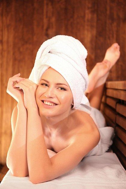 V sauně bychom pod sebou měli mít prostěradlo.