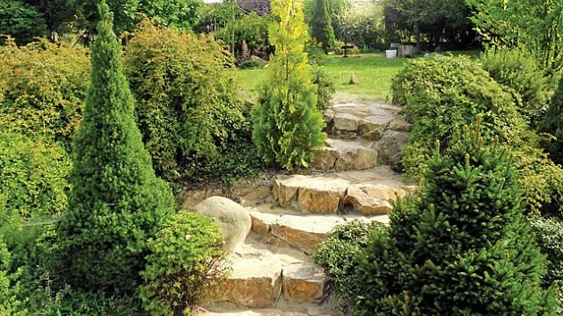 hotové kamenné schody