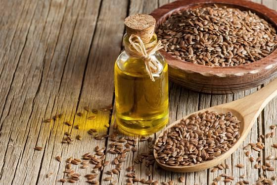 Lněné semínko a lněný olej.