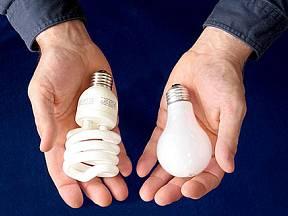 Úsporné (kompaktní) zářivky vs. běžné žárovky