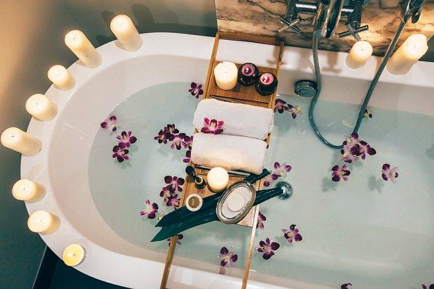 Bylinková koupel uklidní vaši mysl