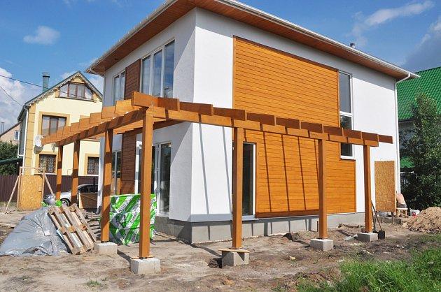 Možností, z čeho stavět, je dnes řada. Dům může být i montovaný. Promyslete předem, co chcete...