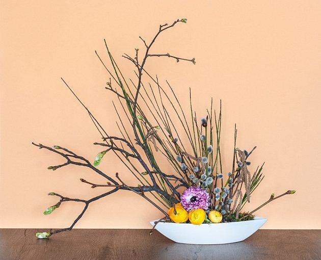 Pro jarní dekorace jsou atraktivní zajímavé větvičky.