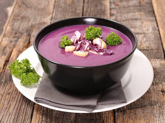 Vitaminy nabité červené zelí je skvělé i při hubnutí, podporuje trávení.