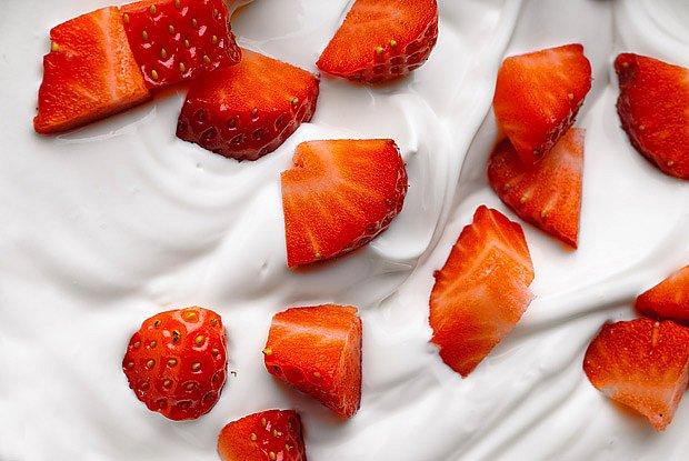 V Německu musí jahodový jogurt obsahovat alespoň 6% jahod.