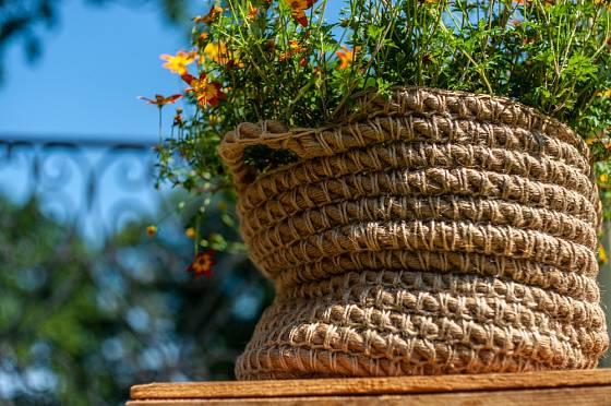 Lana a provazy slouží i k dekoračním účelům.