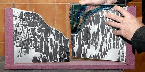 umělecký kovář - výrobek s kombinací kovu a skla