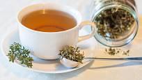Čaj z tymiánu léčí dýchací obtíže, nachlazení i problémy s trávením.