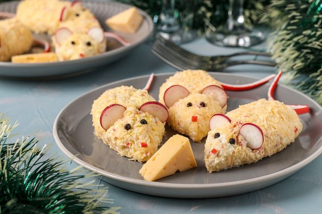 Podle čínského horoskopu Krysa začne svou vládu 25. ledna 2020. Připravte hostům sýrovou pomazánku, která to připomene..