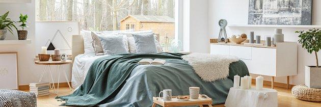 V ložnici vystačíte s mnohem nižší teplotou než v obývacím pokoji.