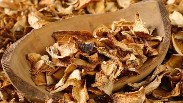 Sušené houby jsou lahodná pochoutka.