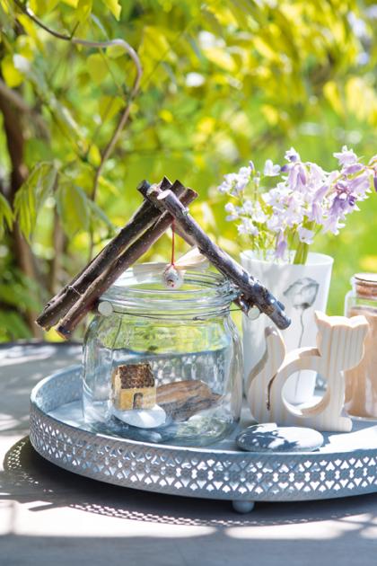 Ze skleničkového domku se stane krásná dekorace.