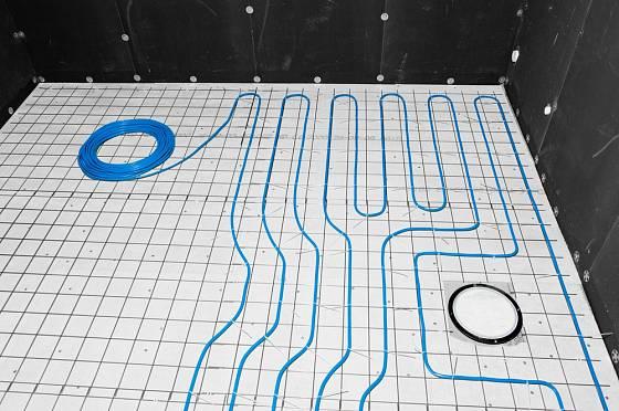 Teplovodní podlahový systém vytápění může být i vysokorychlostní.