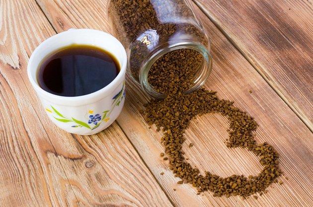 Rozpustná kávaobsahuje dokonce více antioxidantů nežkávazrnková