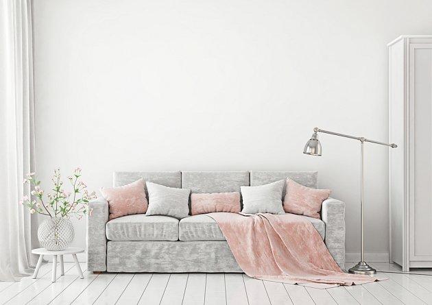 Netroufáte si na větší změny interiéru, ale pastelové barvy se vám přesto líbí? Vsaďte na doplňky a bytový textil.