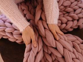 Hřejivý pléd nebo kobereček
