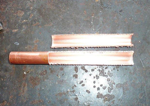 Hrot řezačky se vyrobí rozříznutím měděné trubky.