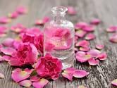 Růžové okvětní plátky jsou poklad