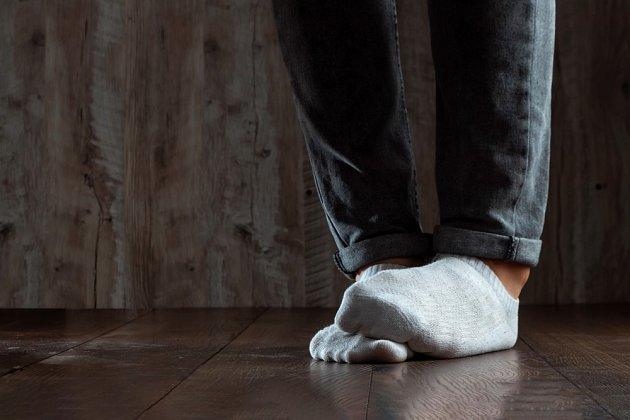 Zápach nohou je nepříjemný, ale častý jev