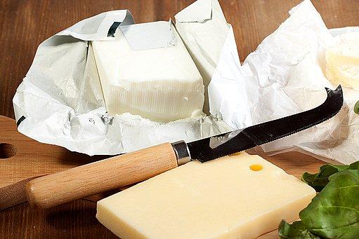 nůž na sýry
