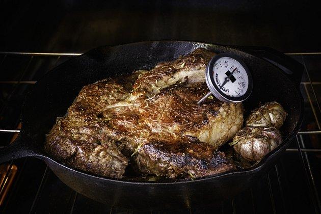 Speciální teploměr pomůže ohlídat optimální vnitřní teplotu masa.