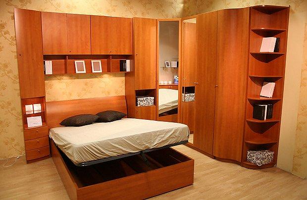 úložný prostor pod postelí