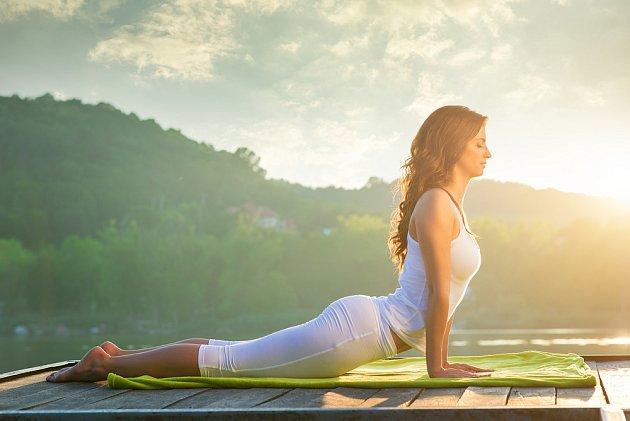 Klid v duši k detoxikaci patří. Dosáhnete ho například jógou - anebo procházkami v přírodě.