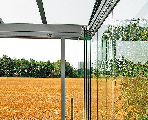 složená skleněná stěna