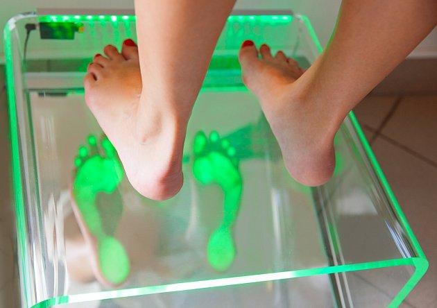 Zanedbání péče o nožní klenbu se může v budoucnu velmi vymstít.