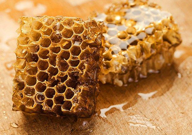 strdí, medové plástve