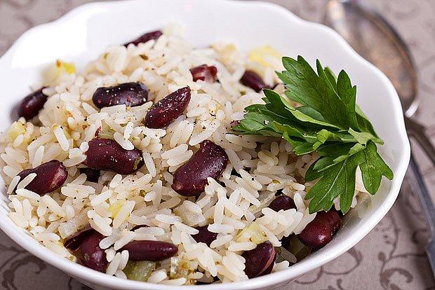 dušená rýže s fazolemi
