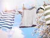 Povíme vám, jak pověsit prádlo, aby jste ušetřili místo a zjednodušili žehlení.