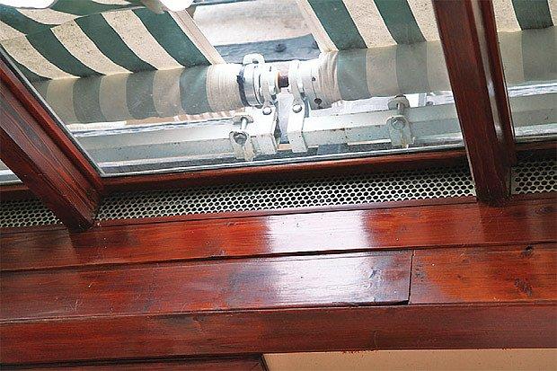Horní ventilace: pohled zevnitř