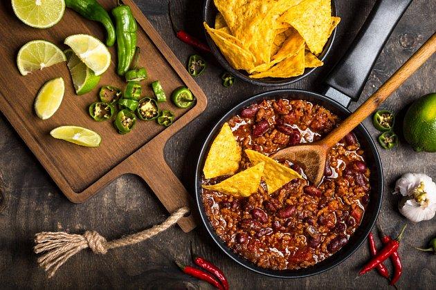 Chilli con carne spolehlivě nasytí i velkou sešlost.