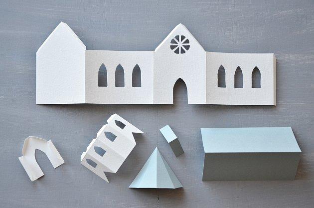 Rohy kostelíku ohýbáme podle pravítka