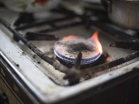 Plamen hořáků by neměl samovolně zhasínat.