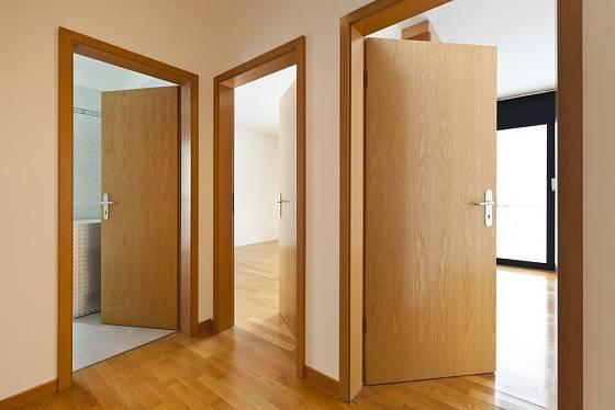 Otočné dveře se sjednoceným otevíráním i designem