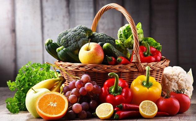 Můžete zkusit se bez kávy obejít, ale nezapomeňte doplnit antioxidanty přísunem ovoce a zeleniny