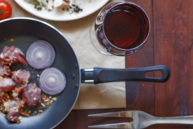Víno dodá jídlům nový rozměr chutí.